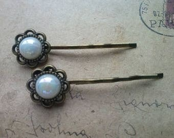 Two hair pins ~ white flowers ~