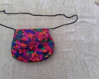 1980s Vintage Retro Handbag Purse with Strap Deco Pattern