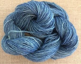Indigo Dyed Ramie Handspun Yarn 50 gr Spin Flora vegan yarn fiber