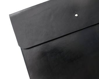 Small bag, clutch, wallet, document bag in black genuine leather