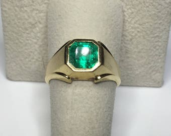 Estate 18K Yellow Gold 2.00 CTW Radiant Colombian Emerald Ring 12 Gram Size 8.25