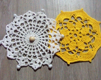 Set of 2 round doilies, white and Yellow Sun, handmade crochet, ideal for dream catcher, dream catcher or interior