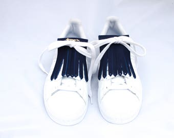 Fringe leather Navy sneakers