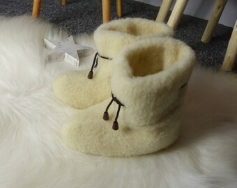 Beautiful Natural Sheep White Wool Home Slippers | Soft Wool | Warm Home Shoes | Wool and Pelt | Fur Shoes | Healthy Slippers !