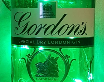 Gordon's - Special Dry - London Gin with LED Battery Operated Lights - Green
