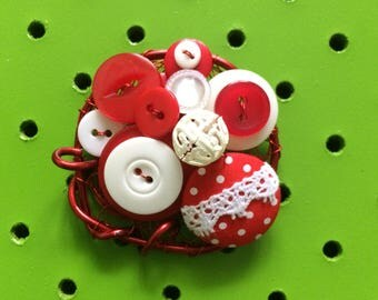 Red & White Polka Dot Vintage Button Brooch