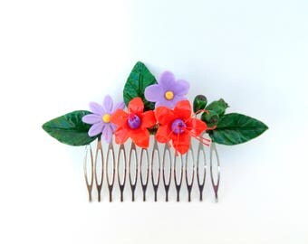 Peinecillo of flamenco or guest, with cold porcelain flowers, comb, hair comb, Peinecillo dorado