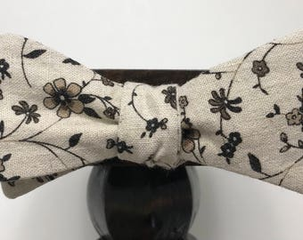 Floral Men's bow tie, self-tie handmade and adjustable from upcycled and repurposed material  // vintage look // ReTied