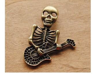 bronze skeleton halloween guitar charm (S19)