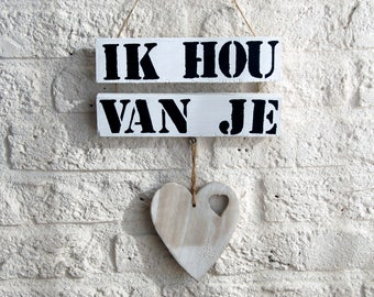 wooden tekstboard 'I love you' included heart hanger