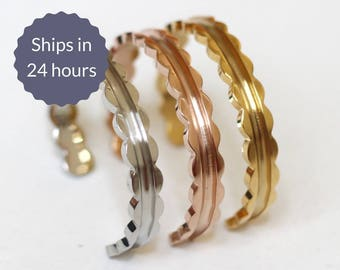 FREE SHIPPING Sweet Scalloped Stainless Steel Stacking Cuff Bangle Bracelets in Silver, Gold, and Rose Gold Set