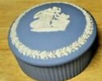Lovely Vintage White On Blue Wedgwood Jasperware Round Trinket Box