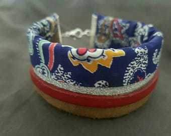 Bracelet blue floral printed fabric and leather