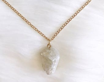 Crystal Necklace, Rock Necklace, White Necklace, Gold Necklace, Womens Necklace, Stone Necklace, Long Necklace, Chain Necklace