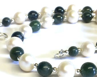 Moss Agate and White AAA Grade Freshwater Pearl Necklace