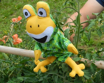 Unique hand puppet frog - only one
