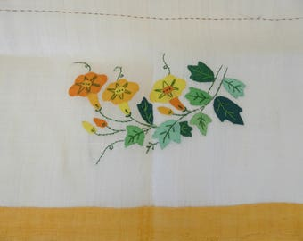 "Vintage Appliqued Fine Linen Tablecloth - 34"" Square"