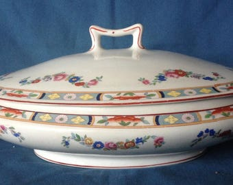 J and G Meakin Handley England Covered Vegetable or Tureen