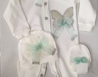 Newborn baby clothing 0-3 months