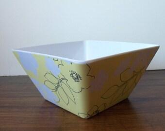 Vintage melamine square bowl, good shape (#EV175)
