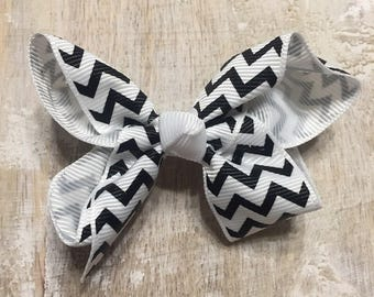 White and Black Chevron Zigzag Grosgrain Ribbon Bow, Alligator Clip, Barrette,  3 inches wide, Hairbow, Girls, Summer