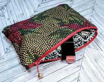 Poinsettias / Holiday Themed Bag / Christmas Bag / Christmas Cosmetic Bag / Christmas Makeup Bag / Christmas Clutch / Winter Bag / Red Bag