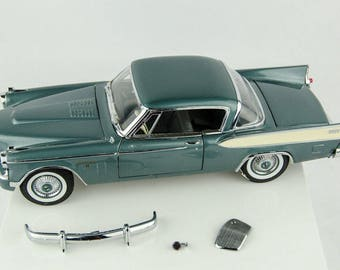 For Parts/Repair Motor City Classics 1957 Studebaker Golden Hawk 1/18 Diecast