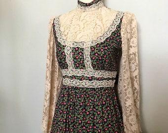 Vintage 1970s Candi Jones California Calico and Lace Prairie Dress - Boho - Maxi Dress / Small