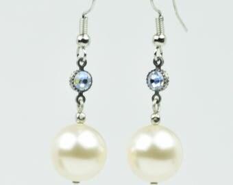 Pearl Earrings, Hanging Pearl Earrings, Pearl Drop Earrings, Bridal Earrings, White Pearl Earrings, Swarovski Pearl Earrings, Bridal Gift