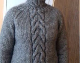 Warm  thong woolen sweater