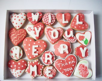 cookies with a message, box of cookies, sweet gift, sweet proposal