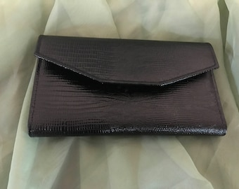 New A & L Seamon Ladies Bi-fold Billfold with attached coin purse