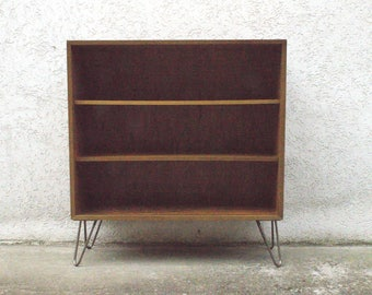 Walnut shelf with hair pin legs by WK furniture - 1950s