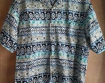 1990s Men's Patterned Button-Down Shirt, short-sleeve