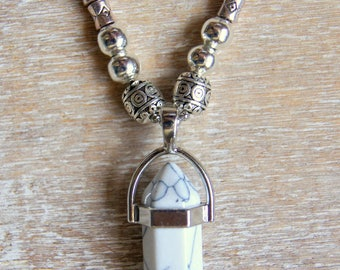 Necklace white turquoise point and beads Tibetan