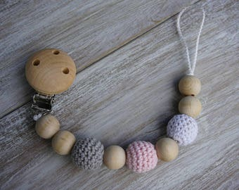 Wooden Pacifier Clip with Crochet, Light Pink