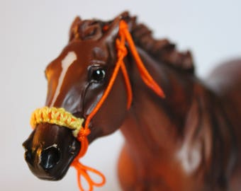 Breyer horse rope halter with 'cross stitch' nose band