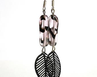 Pink and black beads earrings cat pattern