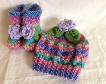 Knitted beanie and bootie set
