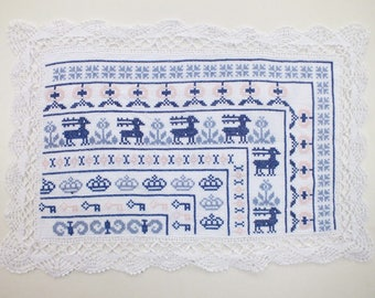 RECTANGLE DOILY handmade embroidered cross stitch: Blue patterns