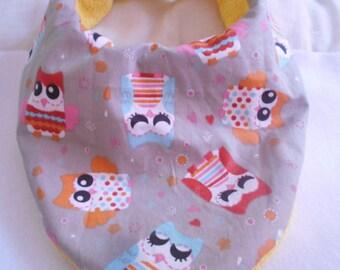 Bandana bib grey and yellow pattern OWL