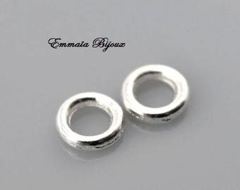 40 closed 4 mm silver metal rings