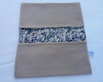 Fully lined velvet checkbook