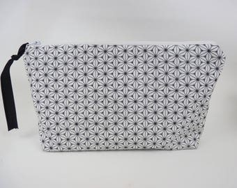 Pouch /trousse trendy black and white fabric