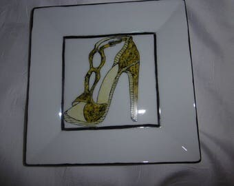 2 square for the porcelain appetizer plates decorated by hand, a shoe high heel design