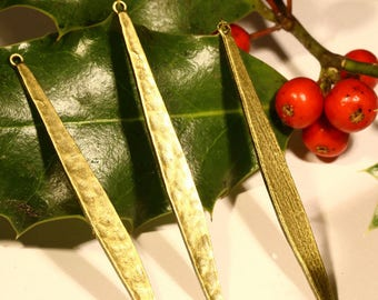 10 charms long hammered leaf brass 58x5mm