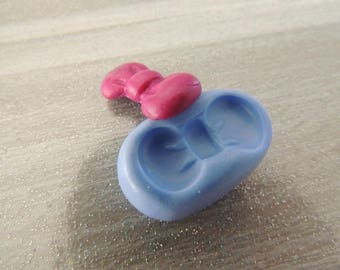 Polymer clay about 2cm bow silicone mold