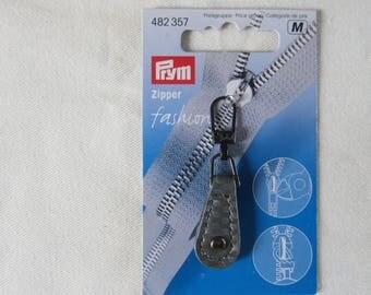Zipper closure prym gray leather