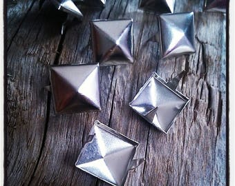 set of 20 nails rivets claw pyramid for customization 10 mm silver-plated