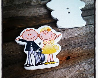 button fancy wood 31x29mm yellow bride and groom in black and white